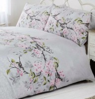 eloise_grey_quilt_set_closeup_1_1
